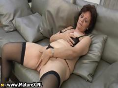 Natural mature wife in sexy...